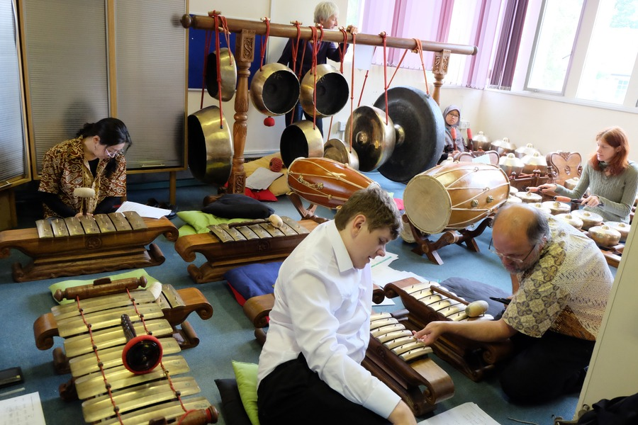 Gamelan rehearsal in Dunelm House, Durham